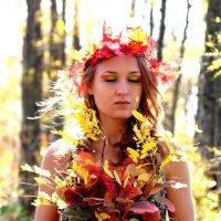 Девушка-осень :: Марина Алексеева
