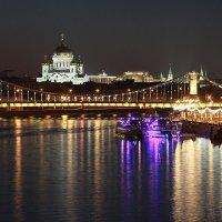 Вид на Крымский мост :: Виктория Смирнова