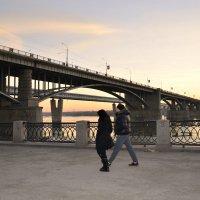 Ноябрьская вечерняя прогулка по Набережной :: galina tihonova