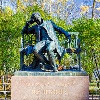 Памятник Пушкину в Царском Селе. :: Александр Лейкум