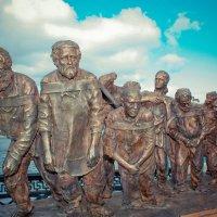 Бурлаки на Волге :: Наталья Фролова