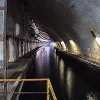 Подземный завод для ремонта подводных лодок :: Елена Даньшина