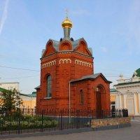 Часовня во имя иконы Иверской Божией Матери и преподобного Сергия Радонежского стоит на самом высоко :: Savayr