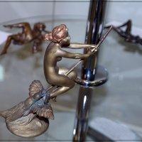 Девушка на метле (Венская бронза) :: muh5257