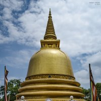 Ступа Будды в Хиккадуве. :: Edward J.Berelet