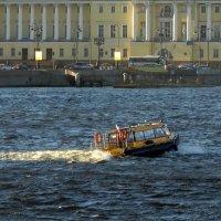 Речное такси. :: Владимир Гилясев