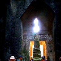 Факел  Ангкора :: Виктор Таймен