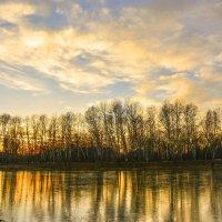 Прохладный закат. :: юрий Амосов