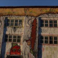 Стены старых зданий нашего города :: Екатерина Кимстач