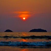закат в Сиамском заливе :: Сергей Строгонов