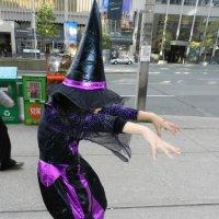 Девочка-кореянка на параде Зомби в Торонто :: Юрий Поляков
