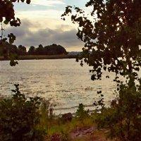 У озера :: Григорий Кучушев