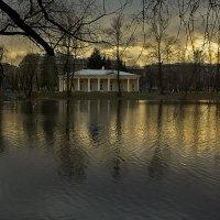 Вечер в парке :: Валентина Харламова
