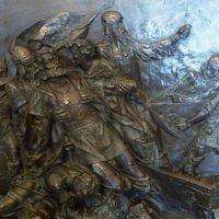 Сохранившийся фрагмент  усыпальницы  Дмитрия Пожарского :: Galina Leskova