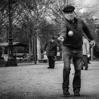 Игроки в петанк :: Николай