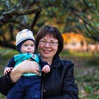 Бабушка и внук :: Марина Юдина