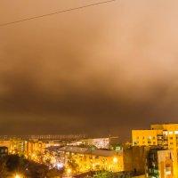 На спящий город надвигается туман :: Дмитрий Тарарин