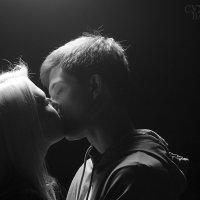 поцелуй :: Валёк Сухотский