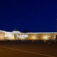 Дворцовая площадь :: Роман Маркин