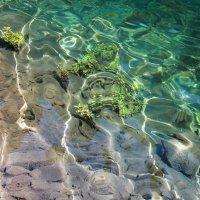 Вода озера Каинды :: Julia Martinkova