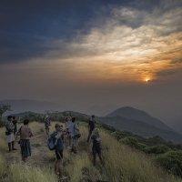 Интернациональный закат!!! Индия...Север Гоа!!! :: Александр Вивчарик