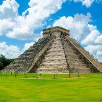 Пирамида Чичен-Ица :: Никита Пелевин