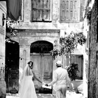 свадьба в старом городе :: Константин Вергакис