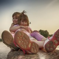 две сестрёнки :: Алексадр Мякшин