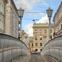 Пройдёмся вдоль... :: Владимир Гилясев