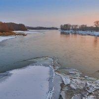 Вечер у замерзающей реки :: Любовь Потеряхина