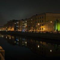 Вид на канал Грибоедова с Могилевского моста. :: Владимир Питерский