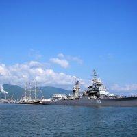 В нашу гавань заходили корабли... :: Константин Николаенко