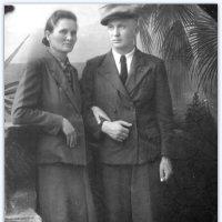 Бабушка Лена (1904-1986) и дядя Миша (1933-1958) :: Tata Wolf