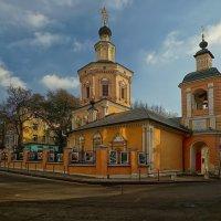 Храм Святой Живоначальной Троицы в Хохлах :: mila