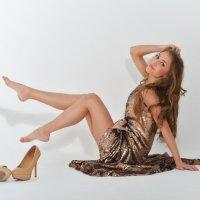 Вика.Ноябрь.Платье и туфли :: Женя Рыжов
