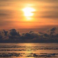 Рассвет на северном Байкале :: Чингис Санжиев