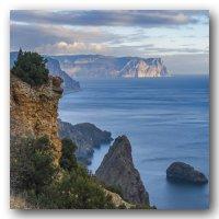 Море, скалы, облака... :: Игорь Кузьмин