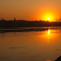 закат на реке Неве :: Валентина Папилова