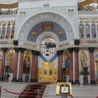 Иконостас из белого мрамора в Морском соборе :: Елена Павлова (Смолова)