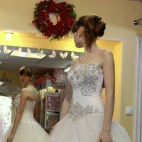 выбор...платья :: Лариса Тарасова