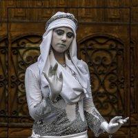 Стоит статуя... :: Shmual Hava Retro