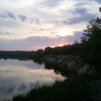 на закате у реки... :: Владимир Суязов