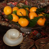 Натюрморт с мандаринами и платком :: Svetlana27