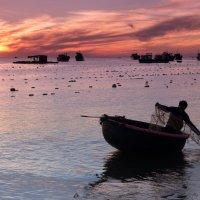 Алексей Чистяков - Вьетнам. Утро в рыбацкой деревне :: Фотоконкурс Epson