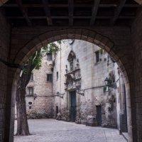 Роман Фарберов - Plaza de San Felipe Neri, Barselona, Spain :: Фотоконкурс Epson