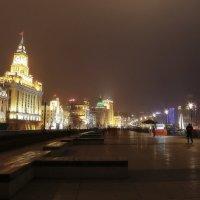 Набережная Шанхая...Китай. :: Александр Вивчарик