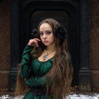 Девушка в зелёном. :: Александр Лейкум