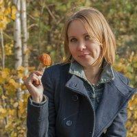 Евгеша и гриб. :: Екатерина Бурлуцкая