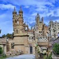 Замок Коломарес.  Испания :: Виталий Половинко