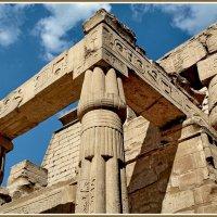 Фрагмент храма Амона-Ра в Луксоре :: Евгений Печенин